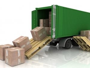 Доставка грузов  экспресс-отправлениями и курьером